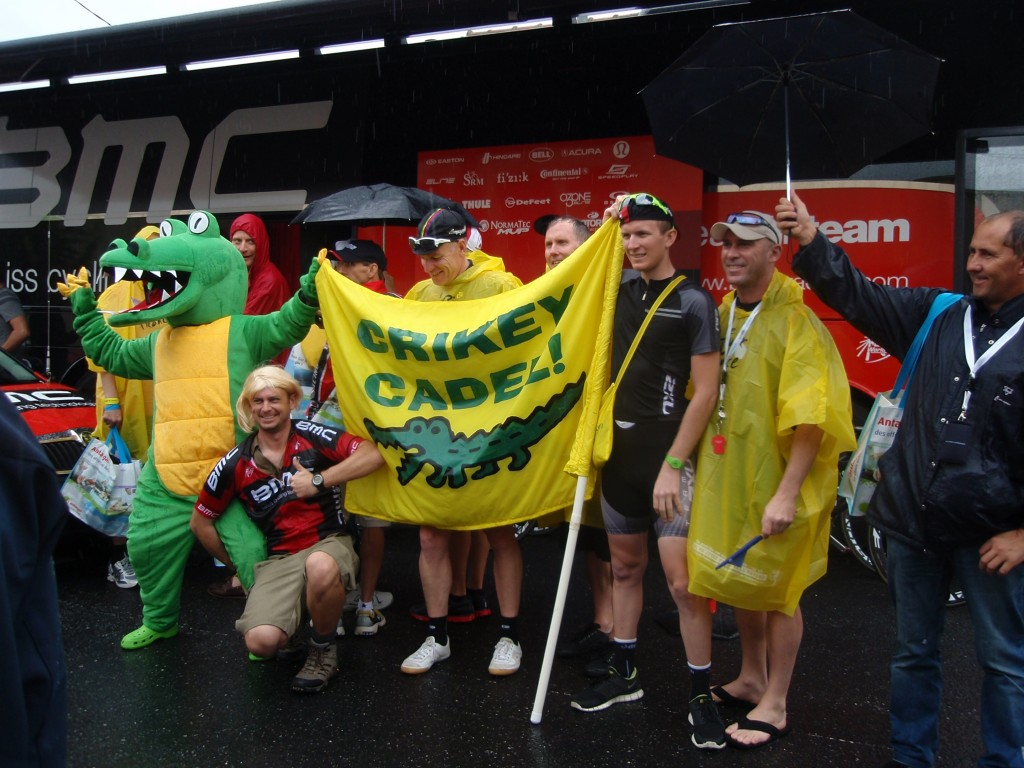 Cadel poses with Aussie fans at the 2011 event