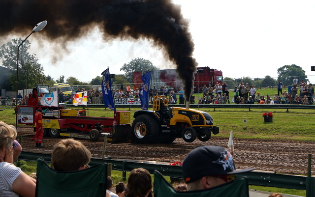 Tractor pull (3)