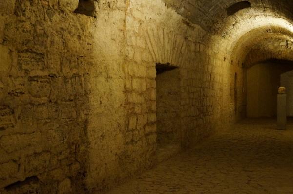 Tunnels in the Roman cryptoportico