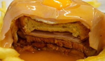 The layers of a francesinha