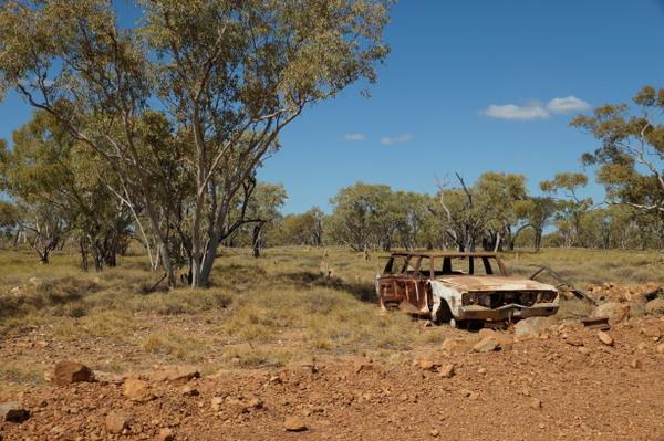 Rusty car en route to Mt Isa